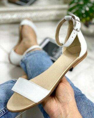 Продано: Распродажа, кожаные белые босоножки низкий ход с ремешком