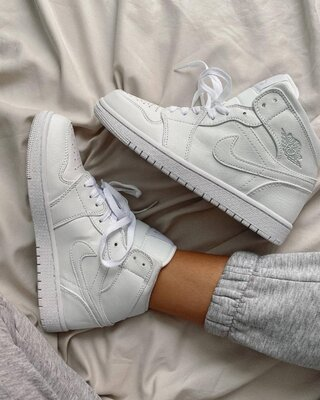 Белые кроссовки унисекс Jordan 1 Retro High White