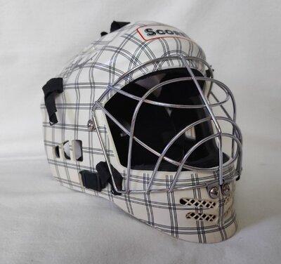 Вратарский шлем. S