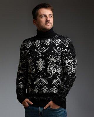 Мужской теплый черный свитер с оленями с подвернутой горловиной