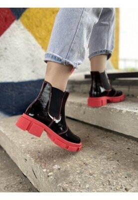 Супер предложение Цена 1470 грн Черные лаковые ботинки на красной подошве