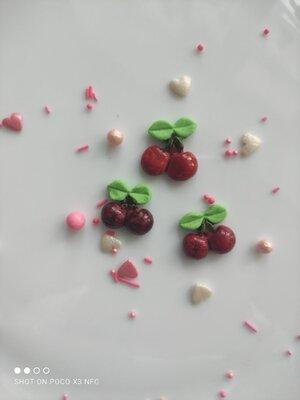 Сахарные вишенки для украшения кондитерских изделий, цена за 2 шт.