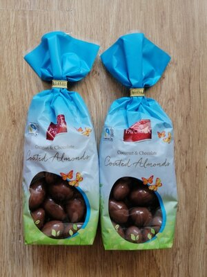 Миндаль в молочном шоколаде Favorina 200 гр