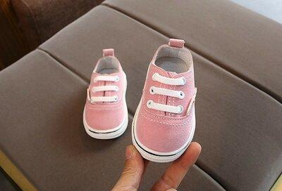 Дуже круті, модні кросики на дівчинку Легенькі, м'які, гнучкі