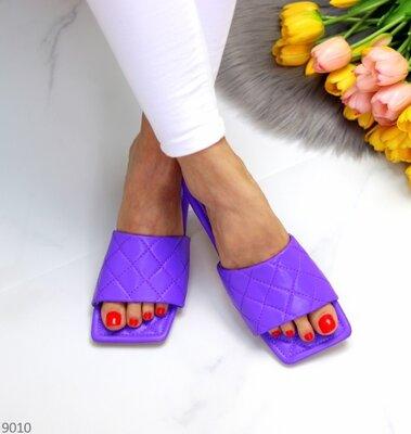 Женские чёрные белые бежевые фиолетовые шлепки шлёпанцы на низком ходу