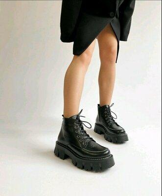 Жіночі шкіряні чобітки мартінси демісезонні Женские кожаные демисезонные ботинки мартинсы броги берц