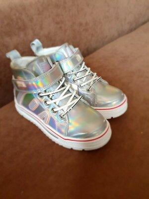 Продано: Демисезонные ботинки голографик на девочку