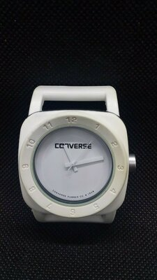 Продано: Часы converse