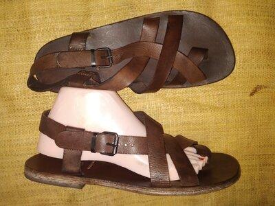 41р-28 см кожа унисекс сандали Moma Made in Italy