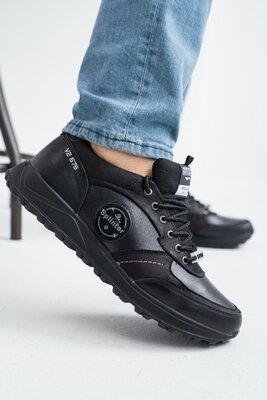 Отличные черные кроссовки из натуральной кожи