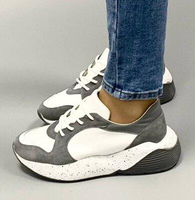 Женские бело-серые натуральные замшевые кожаные кроссовки на утолщенной бело-серой подошве кожа замш