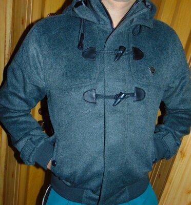 Стоковая стильная нарядная фирменная курточка пальто бренд fly-53.м-л .