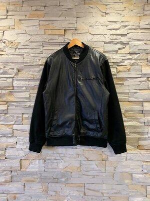 Мужская комбинированная куртка-бомбер с нюансом