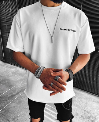 Легкая футболка