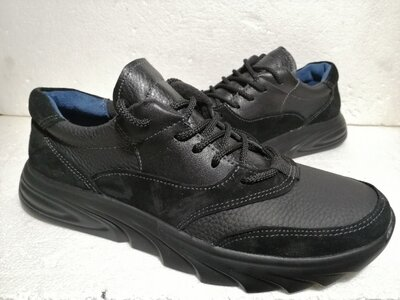 Продам спортивные туфли 42 размер