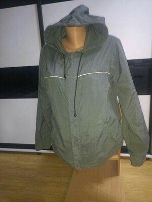 Легкая фирменная нейлоновая куртка ветровка. Fishbone