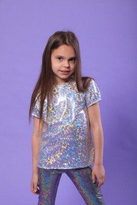 Стильная детская футболка Серебро, 110-140. Блестящая футболка