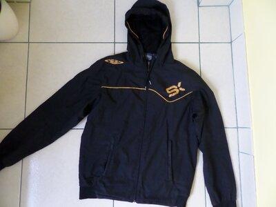 Umbro спортивна куртка ветровка S-M