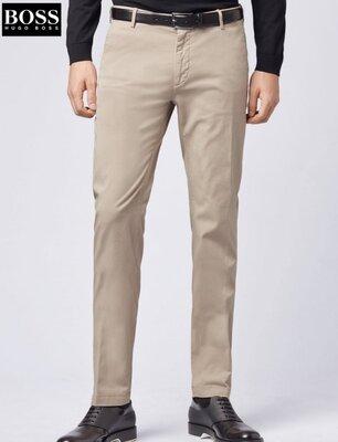 Отличные стильные брюки чиносы известной немецкой компании Hugo Boss.
