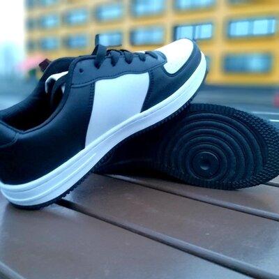 Мужские кроссовки в стиле Nike Force черные с белым
