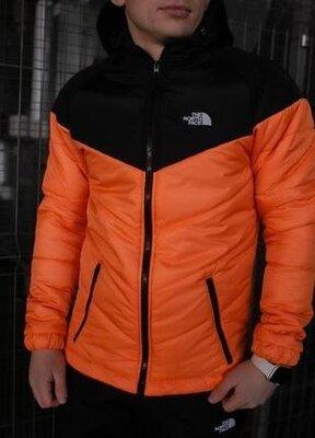 Мужская демисезонная куртка оранжево-черного цвета the north face