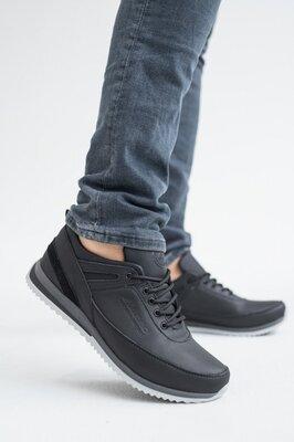 Отличные мужские кроссовки из натуральной кожи