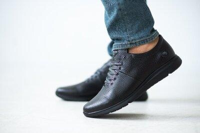 Аккуратные кроссовки из натуральной кожи на толстой подошве