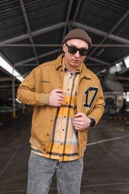 Чоловіча демісезонна куртка 17
