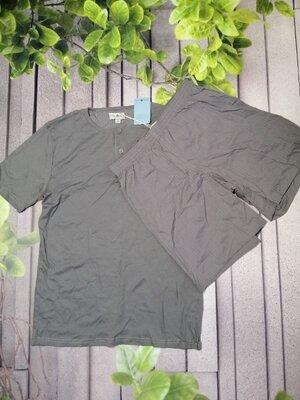 Піжама чоловіча сірого кольору футболка та шорти