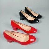 Туфли женские черные красные лаковые на низком удобном каблуке