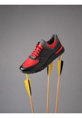 Кожаные мужские кроссовки черные с красным натуральная кожа