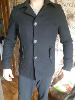 пальто фирменное с Германии длина 77см подмышки 115см