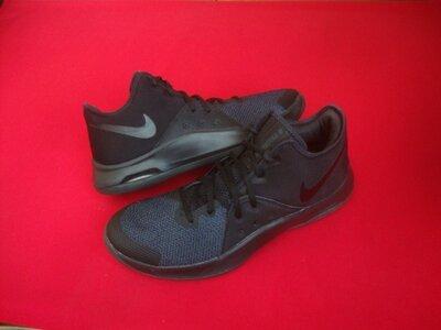 Кроссовки Nike air versitile оригинал 42 размер 27 см