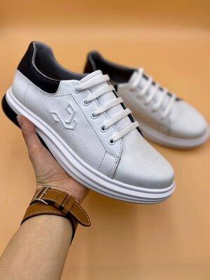 Мужские белые кроссовки кеды мокасины на весну на осень стильные красивые спортивные туфли
