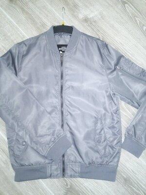 Продано: Курточка,бомпер Л М