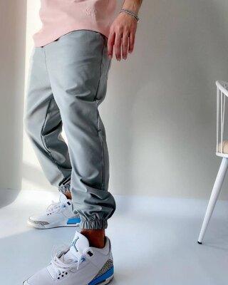Спортивные штаны мужские, плотная ткань.