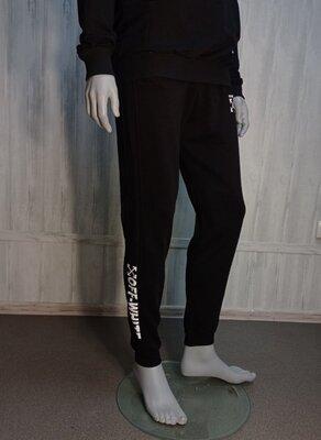 Штаны спортивные теплые на флисе мужские для парней черного цвета с принтом Оффвайт