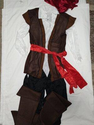 Продано: мужской костюм пирата