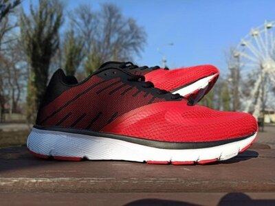 Мужские кроссовки красные с черным