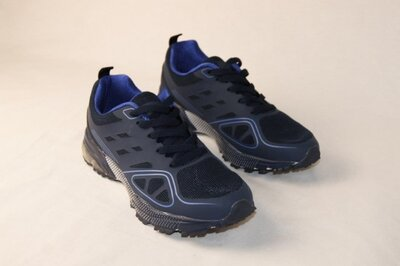 Мужские кроссовки черные с синим