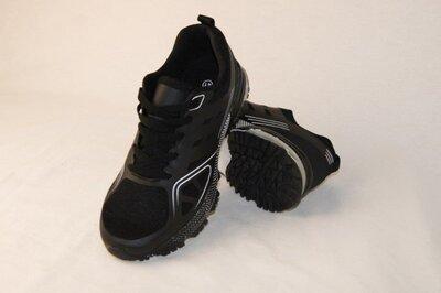 Мужские кроссовки на весну черные