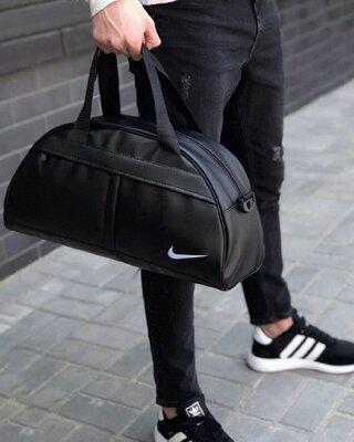 Сумка черная с белым лого Nike D18