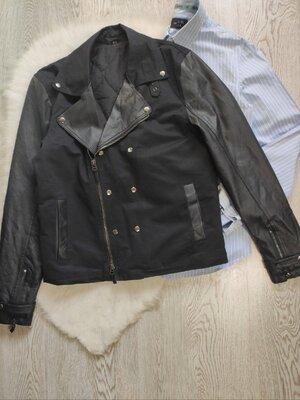 Черная теплая мужская кожанка косуха кожаная тканевая короткая куртка с молниями кожаными рукавами