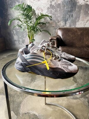 Мужские Кроссовки Adidas Yeezy Boost 700 V2 Tephra AAA 40-41-42-43-44-45