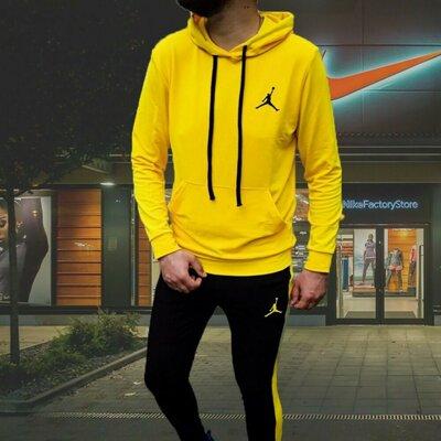 Спортивный костюм Nike Jordan желтый