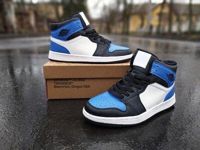 Продано: Мужские Кроссовки в стиле Air Jordan Retro 1 High OG Black/White/Blue