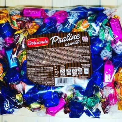 Шоколадные конфеты Dolciando praline assortite 1 кг. , Италия