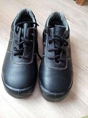 ботинки демисезонные новые ,размер 41