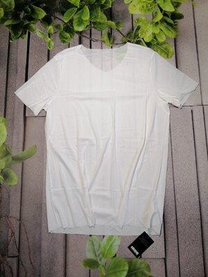 Супер стильна чоловіча футболка облягаючого крою з дихаючої тканини