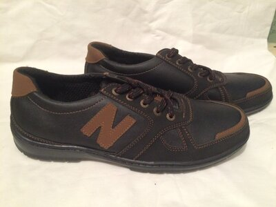 Кроссовки туфли ботинки
